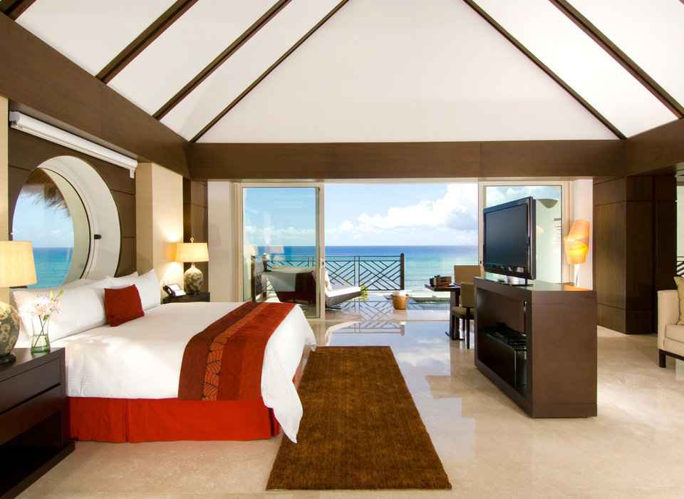 all-inclusive-resorts-balcony-beach-bedroom
