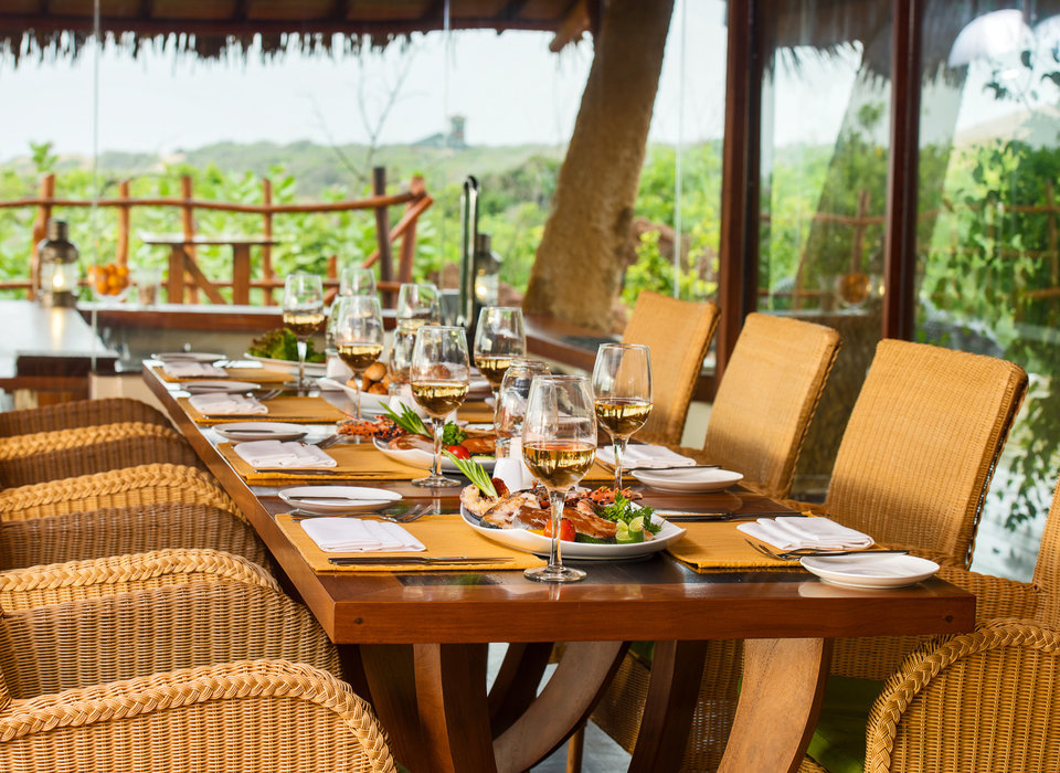 all-inclusive-resorts-beach-dining-hotels