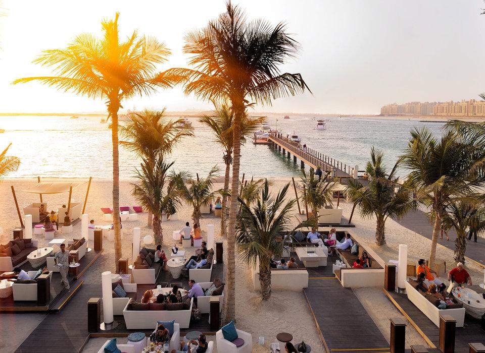 beach-beachfront-drink-dubai
