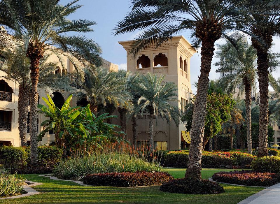 courtyard-dubai-elegant-exterior