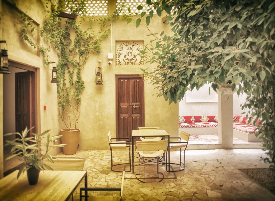 courtyard-dubai-hotels-lobby